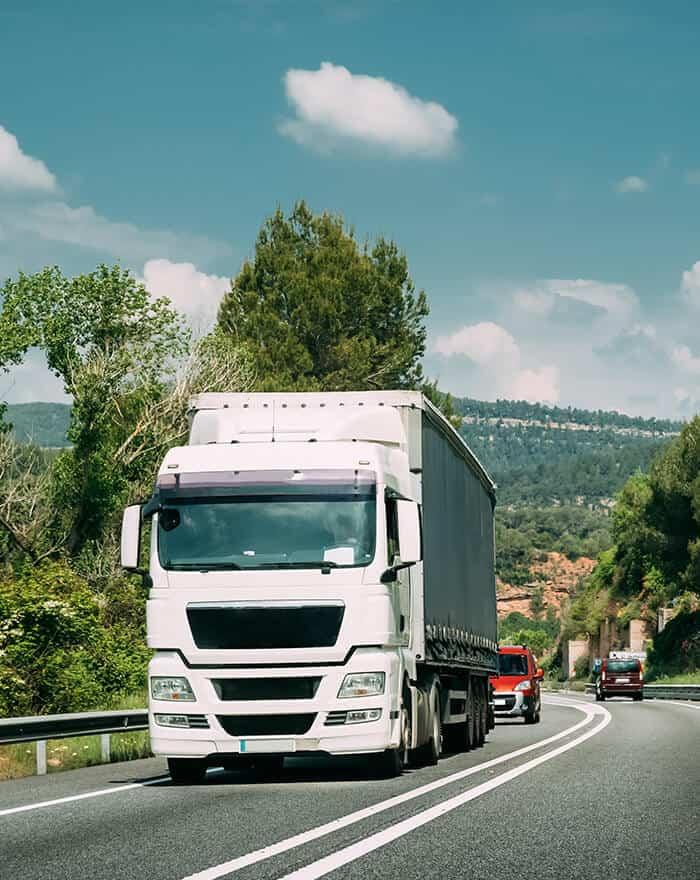 Las rutas nacionales para envíos urgentes son una de las especialidades de ByExpress